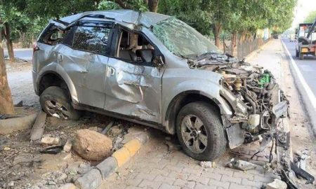 Mahindra XUV500 Accident