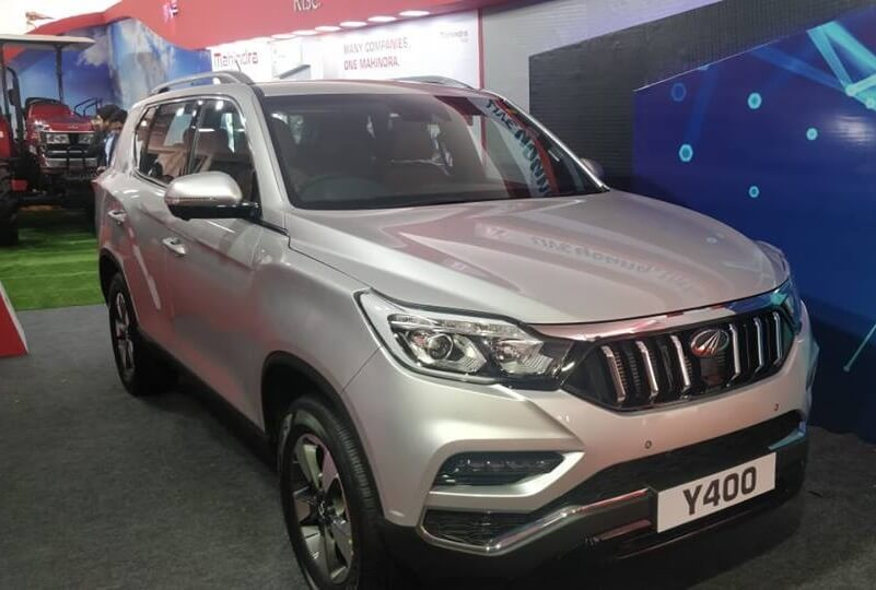 Mahindra XUV700 Clear Pictures Side