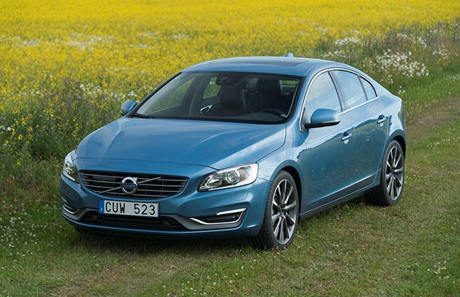 volvo launches facelifted s60 saloon and xc60 crossover in
