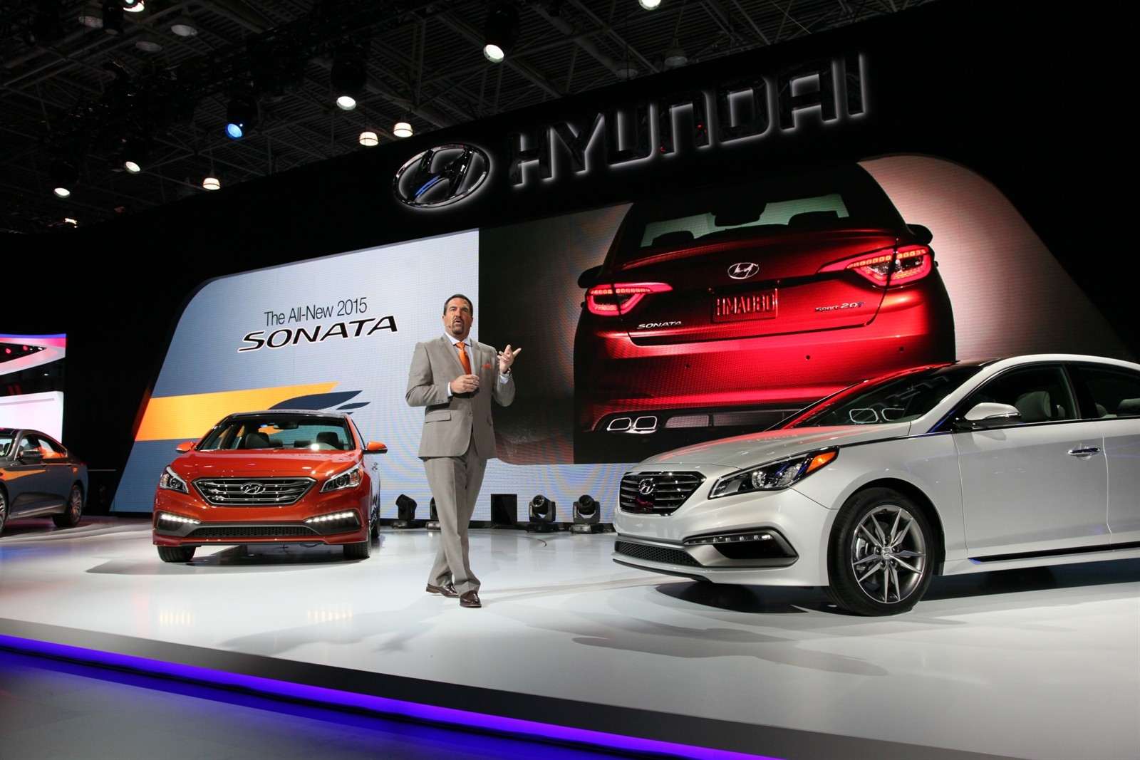 Home // Car // New 2015 Hyundai Sonata unveiled- New York Auto Show