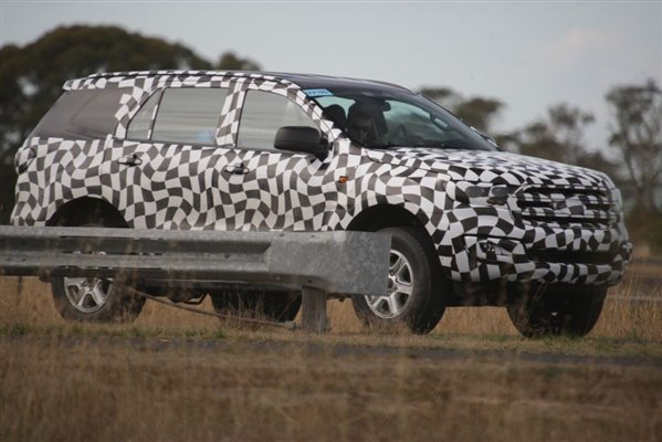 New Ford Endeavour SUV aka Everest spied