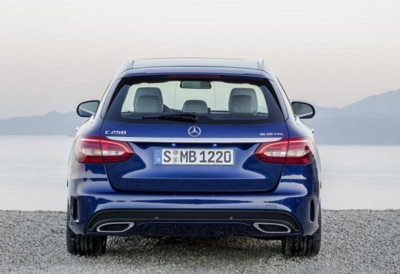 New 2015 Mercedes-Benz C-Class Estate rear profile