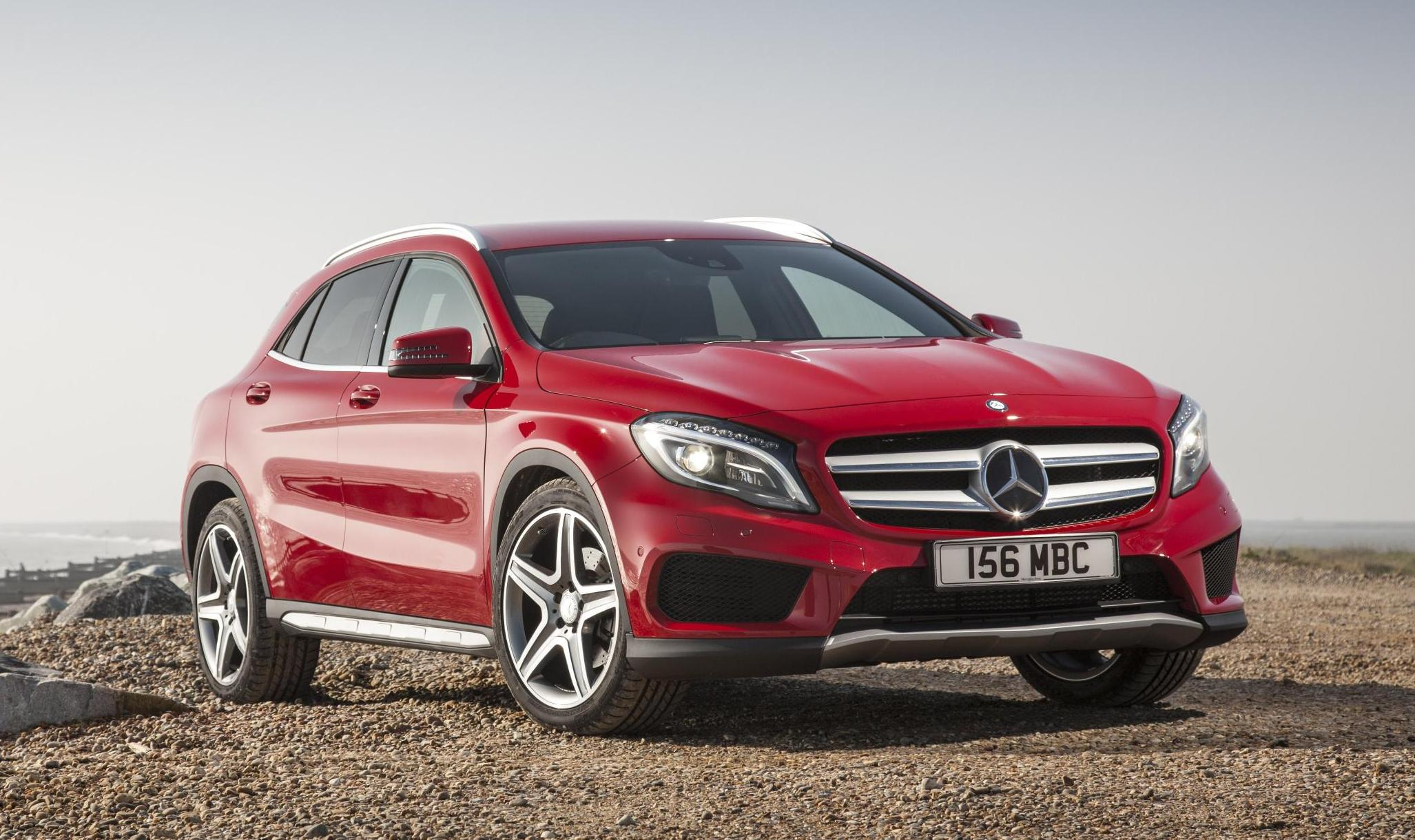 Mercedes benz gla crossover launch date is september 30 for Mercedes benz cross over