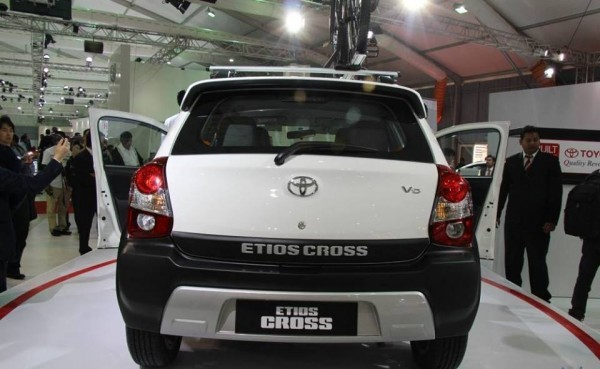 Toyota Etios Cross rear profile