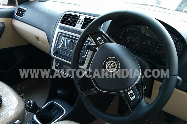 2014 Volkswagen Polo facelift interiors
