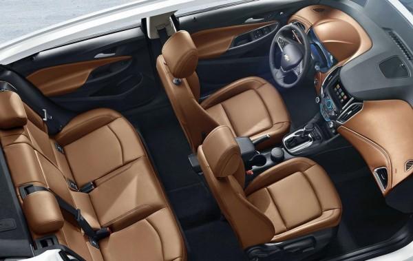 2015-16 Chevrolet Cruze interior