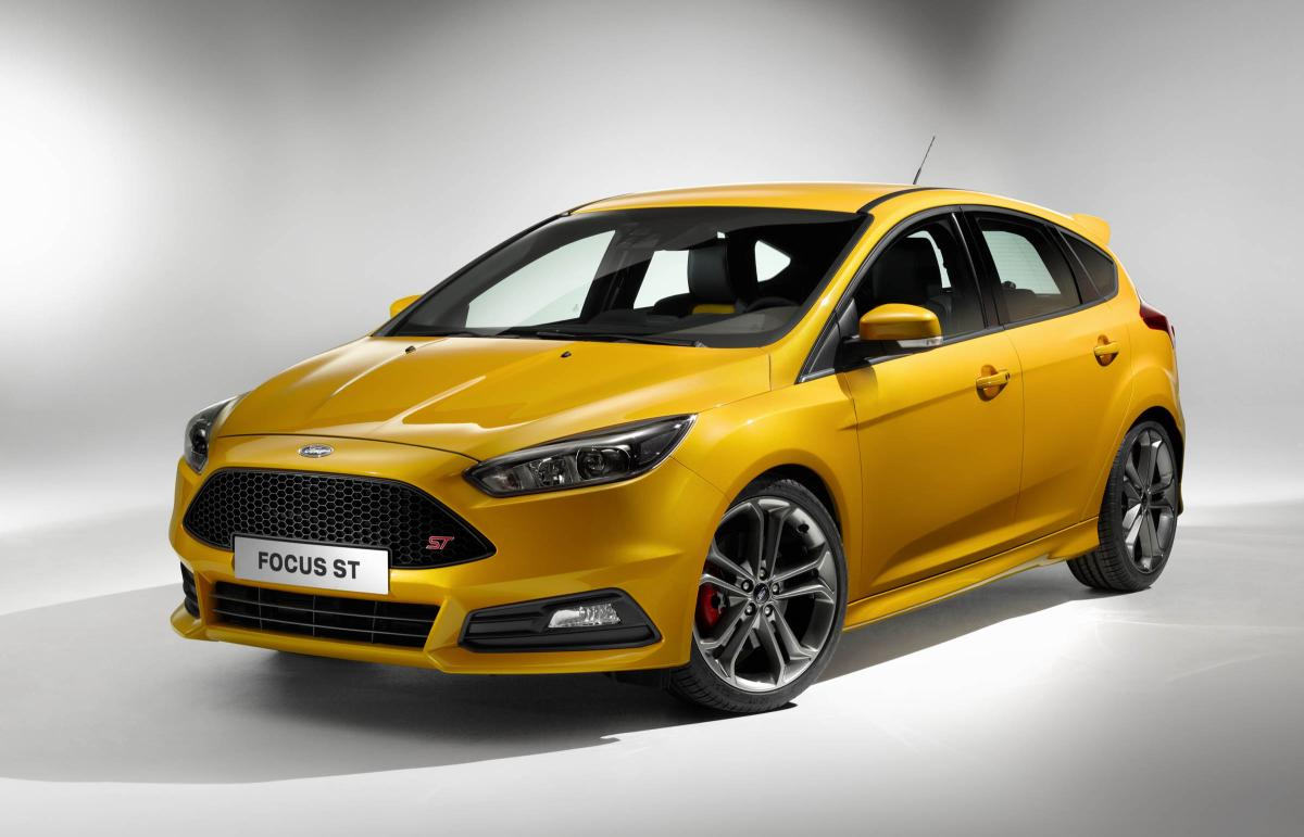 2015 Ford Focus ST front