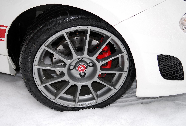 Fiat Abarth 500 Price Specs Photos Amp Launch Date In