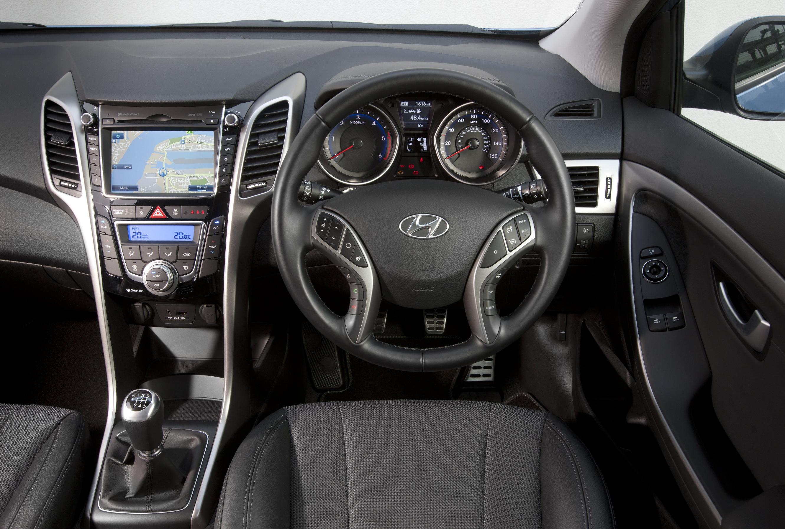 hyundai i30 interior - india car news