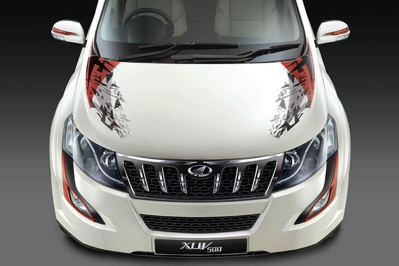 2017 Mahindra XUV500 Sportz Front