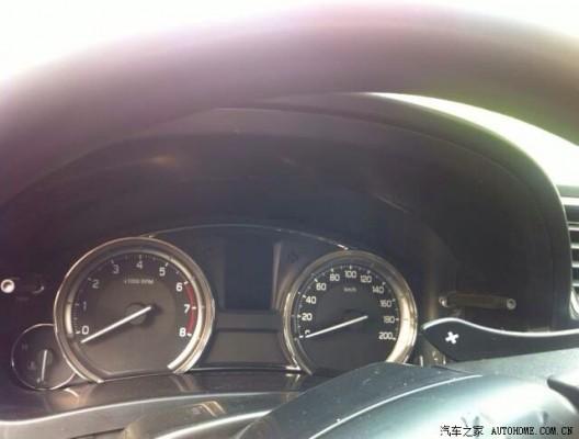 Maruti Suzuki Ciaz aka Alivio steering and controls