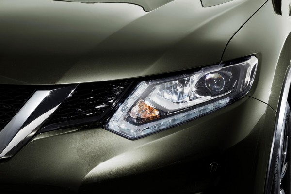 New Nissan X-Trail LED headlights