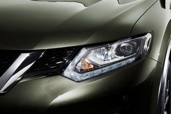 New Nissan X-Trail LED headlights