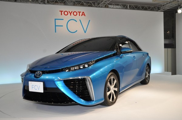 Toyota Fuell Cell Sedan