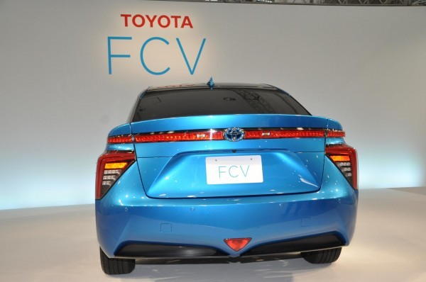 Toyota Fuell Cell Sedan boot and taillights