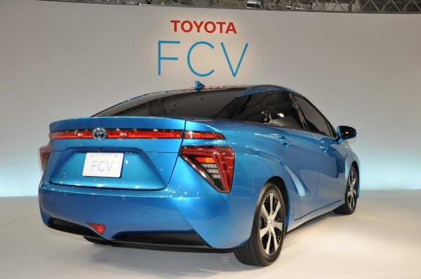 Toyota Fuell Cell Sedan rear