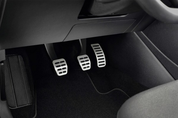 VW Polo facelift steel pedals