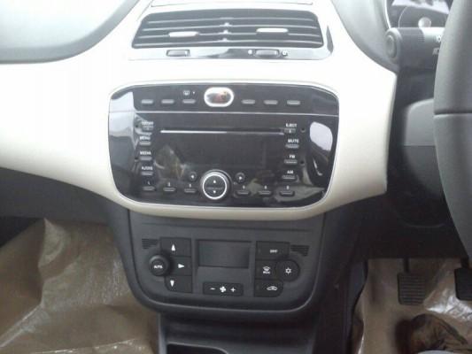 2014 Fiat Punto Evo facelift interiors