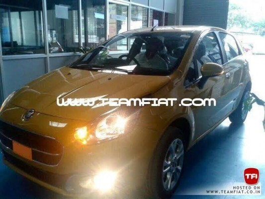 2014 Fiat Punto facelift with sweptback headlamps and fog lamps