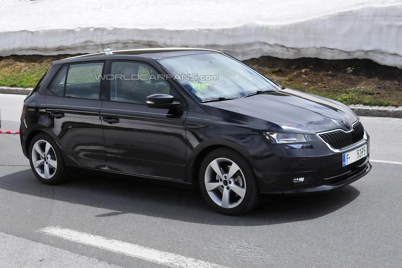 2015 skoda fabia spied testing debut at 2014 paris motor show. Black Bedroom Furniture Sets. Home Design Ideas