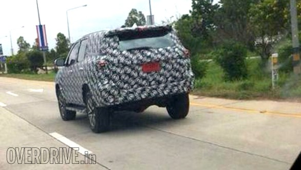 2016-Toyota-Fortuner 2