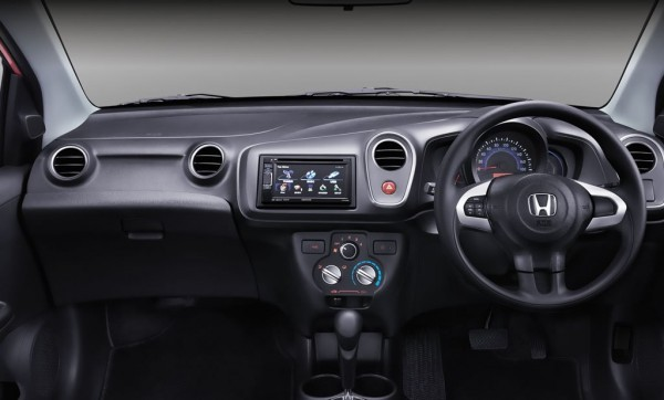 Honda Mobilio RS interior
