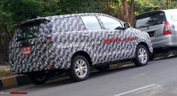New 2016 Toyota Innova MPV rear profile