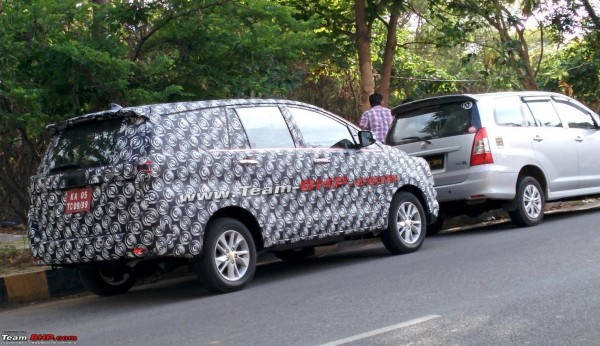 New 2016 Toyota Innova MPV rear quarter