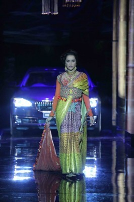 BMW 7 Series Signature Bridal fashion week