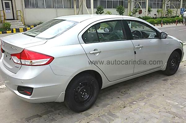 Maruti Suzuki Ciaz side profile