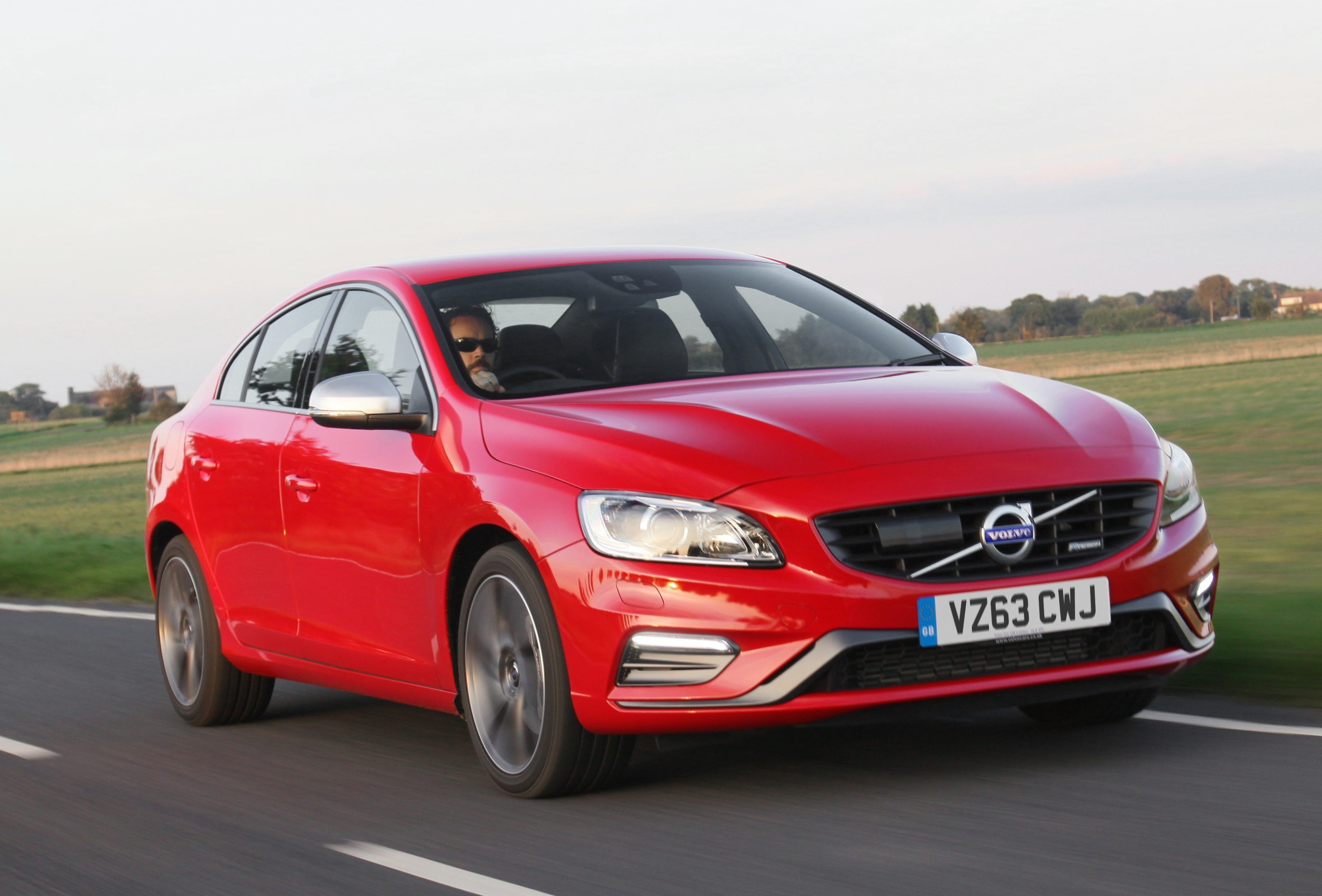 New Volvo S60 R-Design India launch soon; price & specs ...