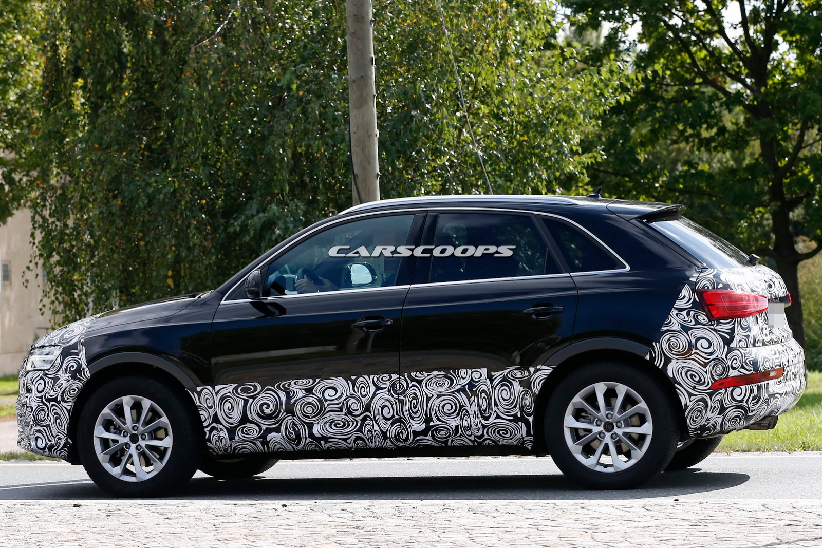 2015 audi q3 suv spotted testing. Black Bedroom Furniture Sets. Home Design Ideas