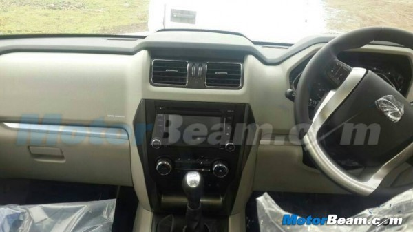 2015 Mahindra Scorpio facelift dashboard and instrument cluster