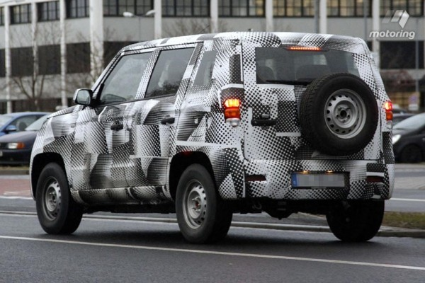 Mahindra U301 compact SUV rear profile