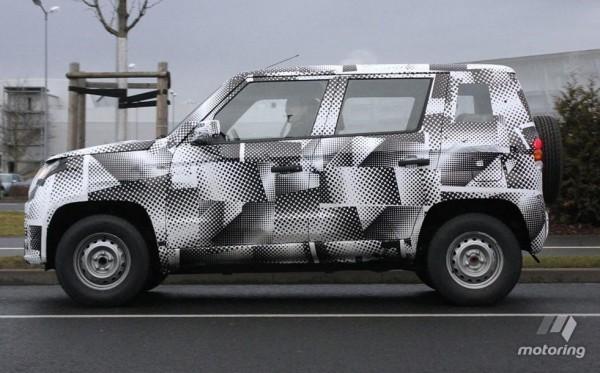 Mahindra U301 compact SUV side profile