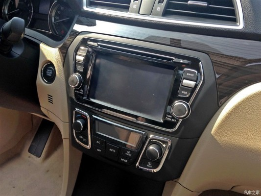Suzuki Alivio China touchscreen infotainment system