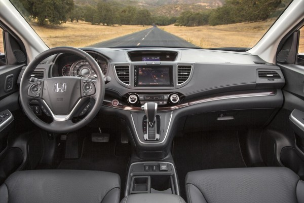 2015 Honda CR-V Facelift US interiors