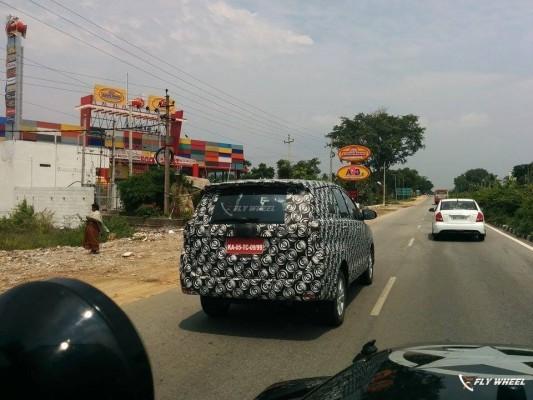 2016 Toyota Innova spied testing rear profile