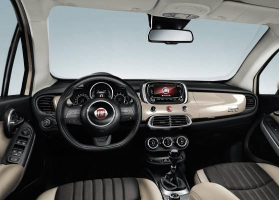 Fiat 500X Compact crossover in Paris interiors