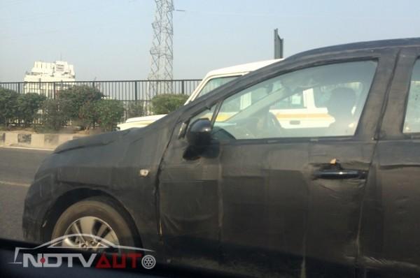 Maruti Suzuki SX4 S-Cross spied sied profile