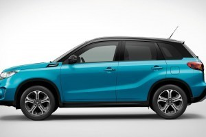 Suzuki Vitara compact SUV side profile and ORVMs with turn indicators