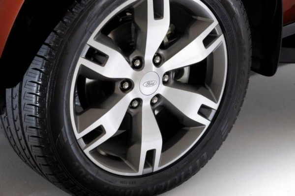 New Ford Endeavour alloy wheels
