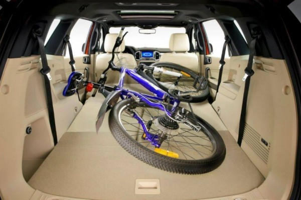 New Ford Endeavour showing large luggage space