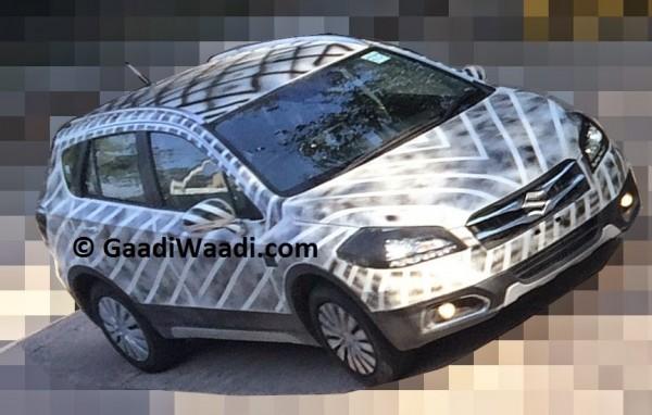 2015 Maruti SX4 S-Cross spied front fasica