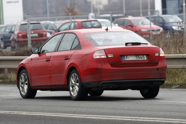 2016 Skoda Superb spied rear profile