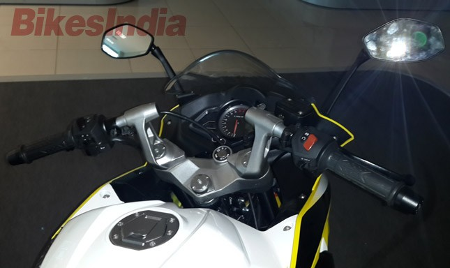 Bajaj Pulsar 200 Ss Clear Images Surface
