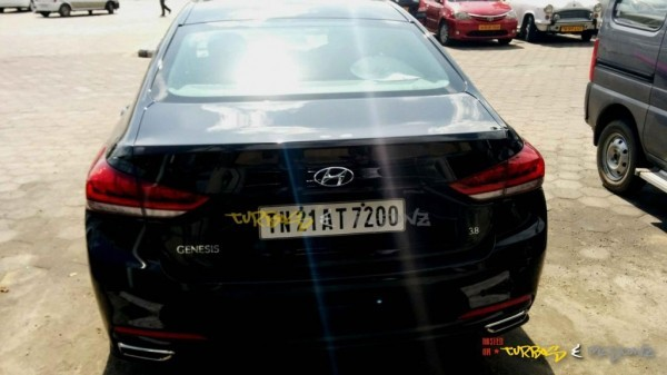 Hyundai Genesis sedan spied rear profile