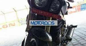 Mahindra Mojo front