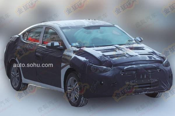 Next-gen 2016 Hyundai ELantra spied