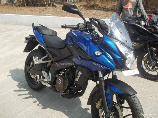 Bajaj Pulsar 200 AS showcased at an event with half fairing
